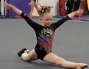 Девочка с протезом ноги вдохновляет на преодоление трудностей