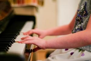 Правительство ратует за расширение списка музыкальных произведений, изучаемых в школе