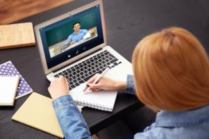 Учителям английского расскажут, как применять ZOOM, Skype и Google Docs в дистанционной работе