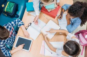 Компетенции учителя, ученика и родителя в условиях гибридного обучения. Запись вебинара
