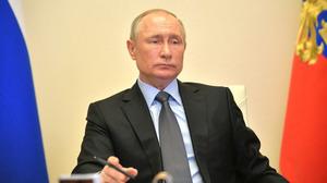 Путин предложил выделять малокомплектным школам деньги вместо продуктовых наборов