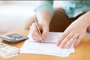 Исследование: большое количество бумажной работы мешает профессиональному развитию учителей