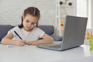 Исследование: социально-активные ученики в большей вероятностью закончат курс онлайн-обучения