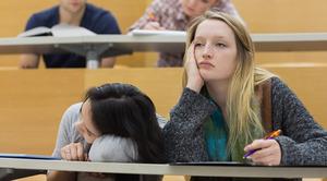 В законопроект о просветительской деятельности попала поправка о том, что и учителей должны учить только отобранные государством организации