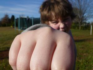 Новые случаи школьной агрессии в Иркутской и Омской областях