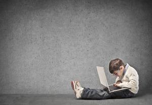 Роспотребнадзор заявил о негативном влиянии дистанционного обучения на здоровье детей
