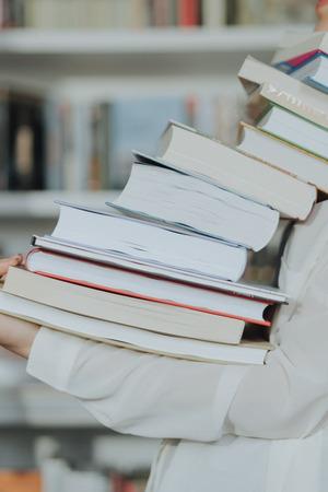 Минпросвещения проверит образовательные программы вшколах