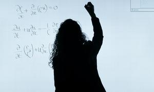 Преподаватели иврачи возглавили «рейтинг» специалистов снесправедливо маленькими зарплатами