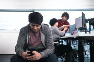 Запрет на мобильные телефоны поможет улучшить дисциплину в школе