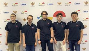 Российские школьники взяли все пять золотых медалей на Международной олимпиаде по физике